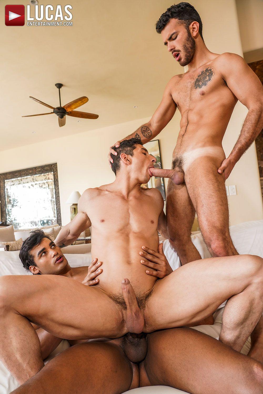 threesome gay